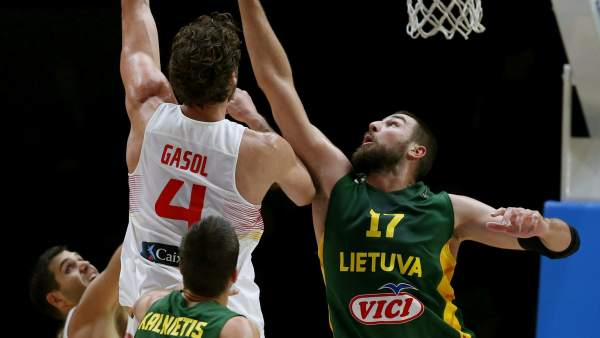 Pau Gasol ante Lituania