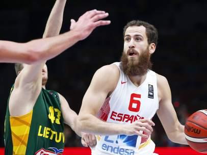Chacho Rodríguez ante Lituania