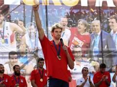 Baño de masas de los campeones de Europa por Madrid