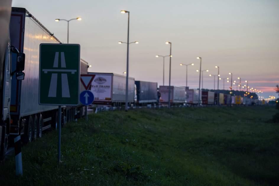 Camiones parados en la frontera