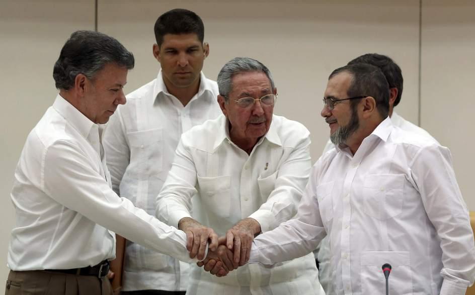 Santos Aprueba el no Pago de Primas para Financiar el Postconflicto