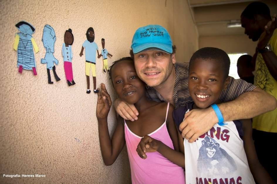 Foto: Sin perder la sonrisa | \'9 días en Haití\', el derecho a tener ...