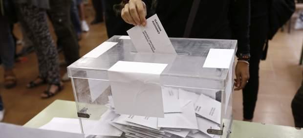 El Congreso de los Diputados debate este martes bajar a los 16 años la edad de derecho al voto