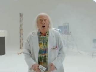 Doc, de 'Regreso al Futuro', ha vuelto para salvar el mundo