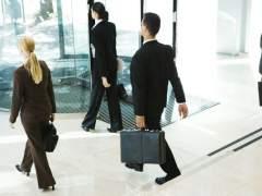 Las empresas, favorables al horario laboral europeo