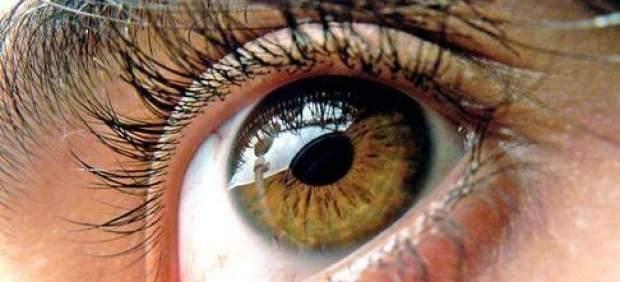 Un gel que se adhiere al ojo podría reparar lesiones de córnea sin cirugía