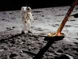 Aldrin, al lado del 'Eagle'