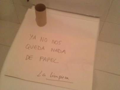 Sin papel higiénico en los juzgados de Catarroja (Valencia).