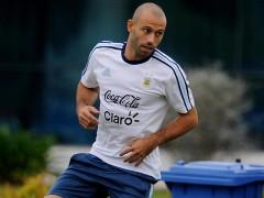 """Mascherano se harta de las cr�ticas a Messi: """"Es nuestro comandante"""""""