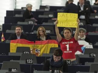 Protesta contra Felipe VI en el Parlamento Europeo