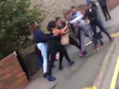 Una ri�a por un chico acaba en una batalla campal en Londres
