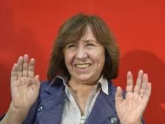 El Nobel de Literatura por primera vez premia el periodismo al reconocer a Svetlana Alexijevich