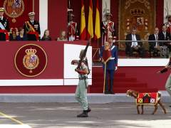 Desfile de la Fiesta Nacional y Pablo, la cabra de la Legión