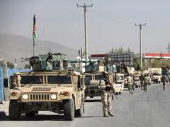 Un ni�o entrenado para inmolarse se entrega a la Polic�a afgana