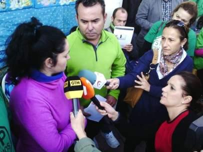 Paralizan por sexta vez el desahucio de un pensionista en Murcia