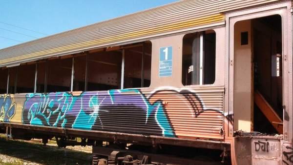 Pintada en un tren