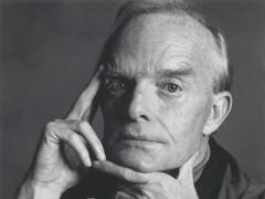 A la venta las cenizas del escritor Truman Capote