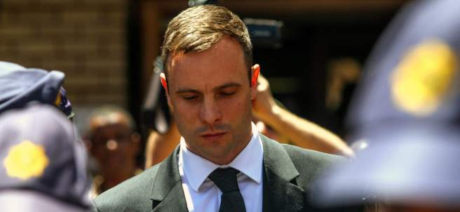 Pistorius, bajo arresto domiciliario