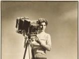 Margaret Bourke-White (1904-1971) - Self-portrait with camera, (Autoportrait à la camera)