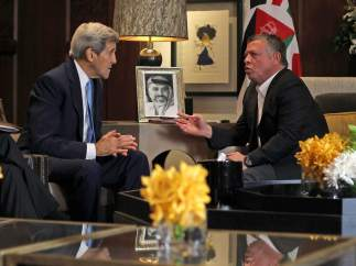 John Kerry y el rey Abdullah II de Jordania