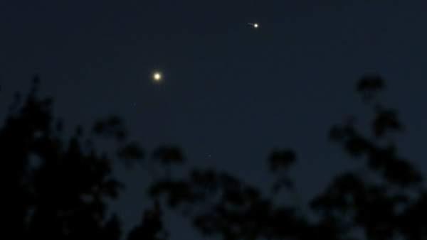 Venus y Júpiter en el cielo.
