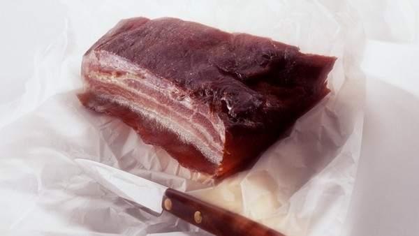 ¿Qué significa que las salchichas y el bacon sean cancerígenos? ¿Hay que dejar de comer carne?