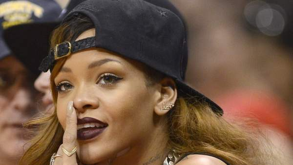 Brown Comenta Sexy Chris Los Una Foto En De Fans Y Instagram Rihanna 4R3qc5AjL