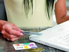 Los pagos con tarjeta aumentan en España hasta el 45,9 % en 2015