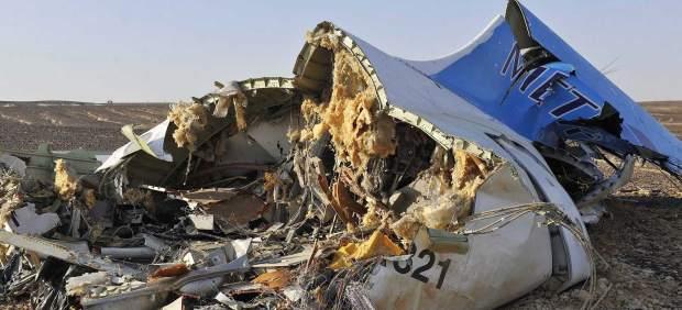 El siniestro de Egypt Air podría deberse a un atentado aéreo, el segundo en apenas 7 meses