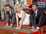 Jennifer Lawrence, Liam Hemsworth y Josh Hutcherson en el Teatro Chino de Hollywood