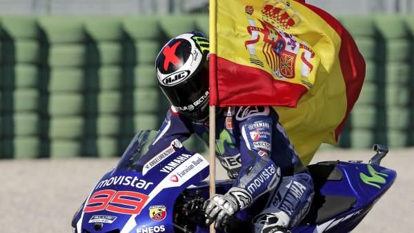 Lorenzo celebra la victoria