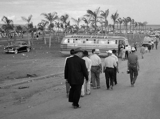 Thomaz Farkas - Público el día de la inauguración de Brasilia, 21 de abril de 1960