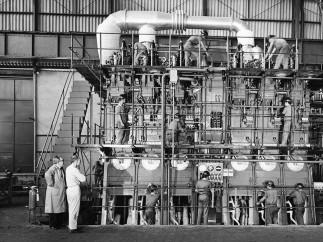 Hans Gunter Flieg - Construcción de un motor marítimo en la fábrica Villares, São Caetano do Sul, São Paulo, década de 1960
