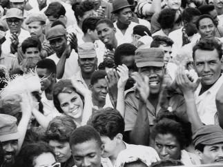 Agnès Varda - Cuba [La Havane, le 2 janvier 1963, rassemblement à l'occasion du quatrième anniversaire de la révolution cubaine], 1963