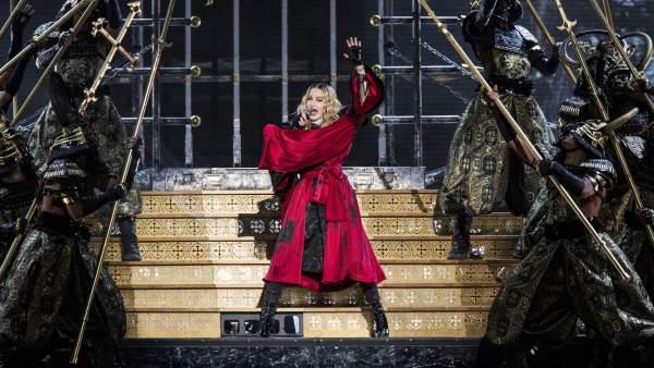 Una Madonna contenida conquista Barcelona