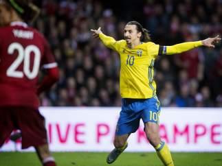 Gol de Ibrahimovic a Dinamarca