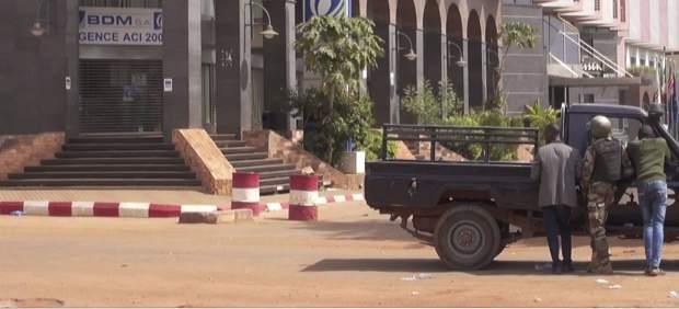 Un grupo armado ataca un hotel en el que residen militares europeos en Mali