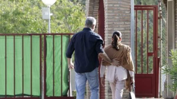 Isabel Pantoja entrando en la cárcel de Alcalá de Guadaíra, en Sevilla, tras su tercer permiso.