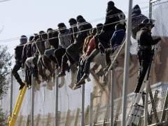Los saltos a las vallas de Ceuta y Melilla, cada vez más estructurados y planificados