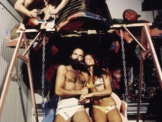 UFO, lovers on a swing chair, Bamba Issa, Forte dei Marmi, 1970