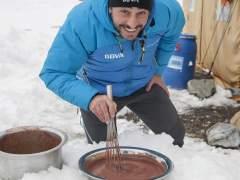 Jordi Roca cocina a 7.000 metros en 'El heladero del Himalaya'