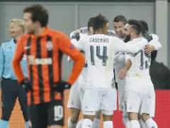 El Madrid se levanta, logra el liderato... y acaba pidiendo la hora
