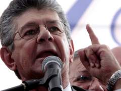 El secretario general del partido opositor, Henry Ramos Allup, denunci� el asesinato de Luis Manuel D�az.