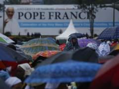 """El papa pide acabar con la """"arrogancia de los hombres que hieren a las mujeres"""""""