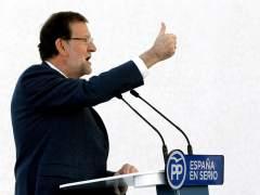 """Rajoy promete una rebaja del IRPF y """"cambios importantes"""" en las cotizaciones sociales"""