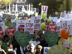 Miles de personas piden en Madrid un compromiso real y vinculante por el clima