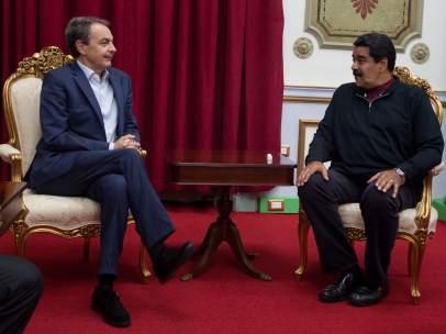 Zapatero y Maduro en Venezuela
