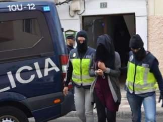La Policía detiene en Cataluña y Canarias a dos integrantes del DAESH