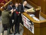 Pelea en Parlamento Ucraniano