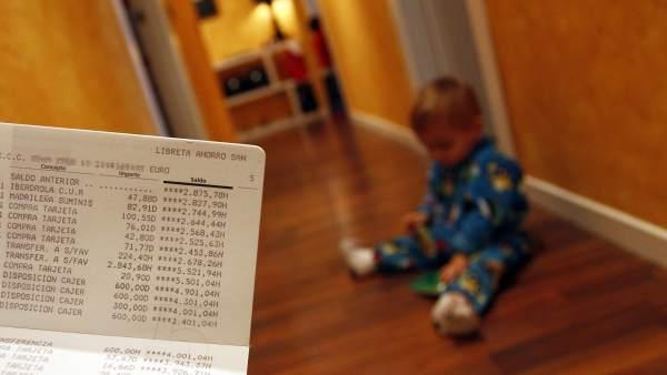 Los bancos facilitan cuentas para bebés, niños y adolescentes con tarjetas gratuitas y regalos